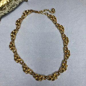 Vintage gold tone necklace